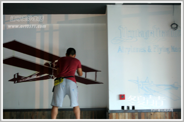 墙绘绘制过程 杭州冬夏青青墙绘